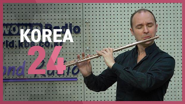 Flutist Philipp Jundt (Niccolo Paganini: Caprice No. 24 op.1 in a-minor, Tema con variazioni)