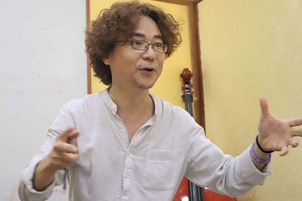 음악으로 한국-캄보디아 다리 놓는 성악가, 류기룡 교수