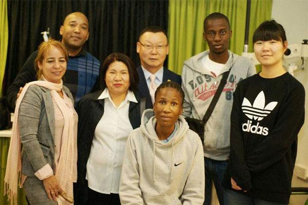아프리카 시각장애 청년들에게 '빛'을 선물하는 김채수 대표