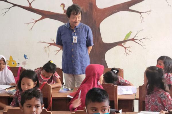 인도네시아 찌아찌아의 한글 선생님, 정덕영