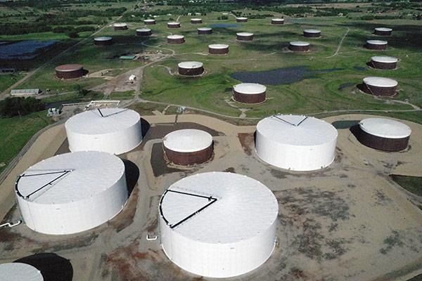 الانخفاض الحاد في أسعار النفط