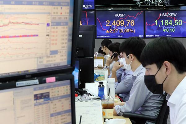 Главный индекс Корейской биржи стремительно растёт