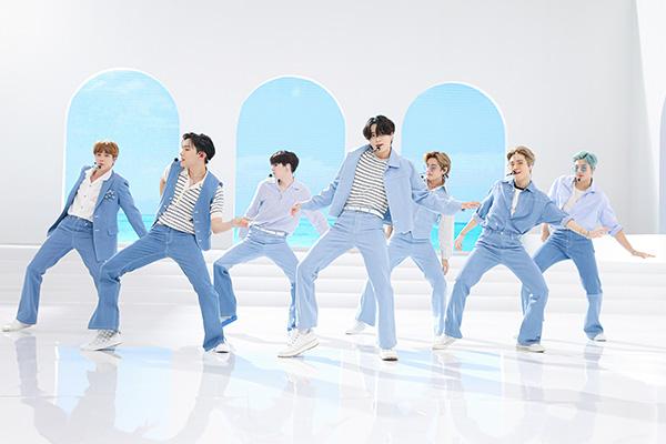 Экономический эффектот первого места группы BTS в Billboard Hot 100