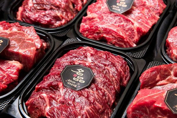 إقبال على شراء المنتجات الغذائية الخاصة بعيد تشوسوك