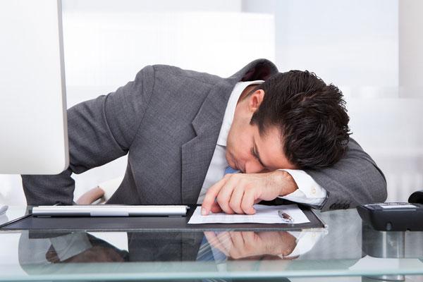 إرتفاع نسبة الإصابة بالأرق وسط الموظفيين الكوريين