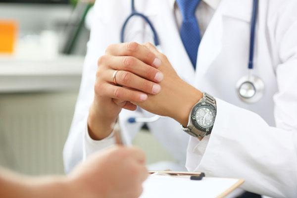 قلق لدى الدوائر الطبية والصحية من الانتشار العشوائي للمعلومات على اليوتيوب