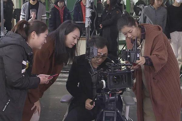 إلتحاق عدد من الأساتذة الصينيين بجامعة