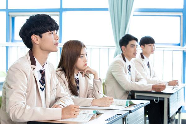 استئناف الدراسة داخل المدراس الكورية بثلث عدد الطلاب