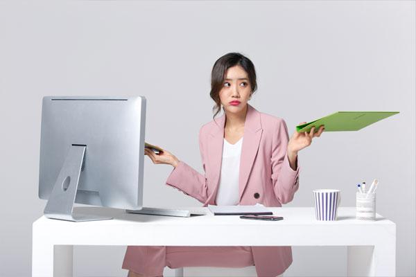 صعوبات تواجه الموظفين الكوريين بسبب نقص المعرفة في الرياضيات والعلوم