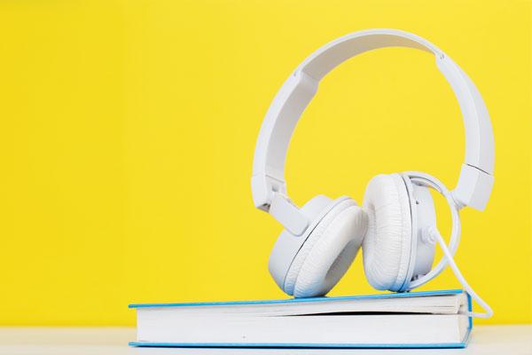 ازدهار كبير لظاهرة استخدام الكتب المسموعة