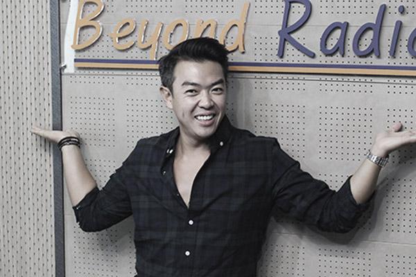 إعادة للمقابلة مع الفنان الكوري الكوميدي