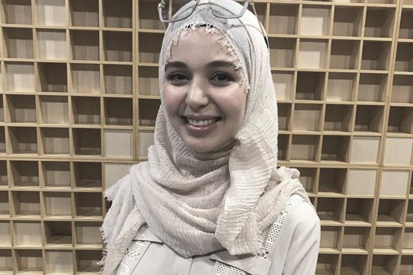 اعادة للمقابلة مع إحسان بن علوش، شابة مغربية ناشطة على يوتيوب