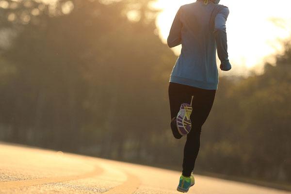 如何跑步不伤膝盖