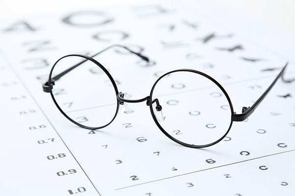 戴口罩时如何防止眼镜起雾