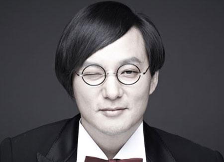 '홀로그램으로 부활한 마왕'…신해철 3주기 추모 공연