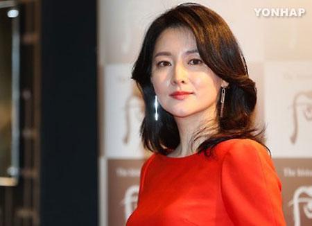 이영애, 영화 '나를 찾아줘' 출연…13년만에 스크린 복귀