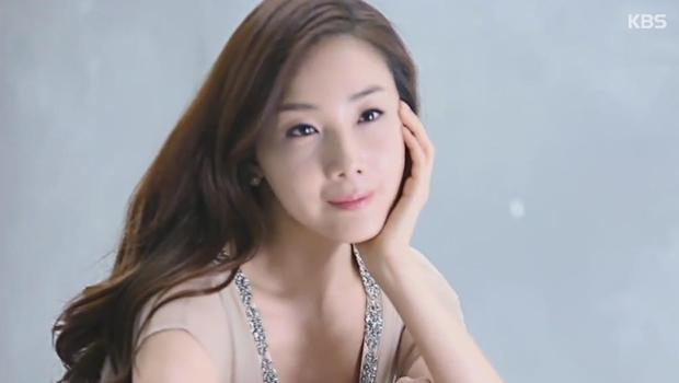 Топ-звезда Чхве Чжи У вышла замуж!