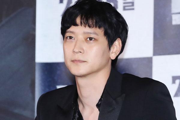 Актер Кан Дон Вон (강동원)