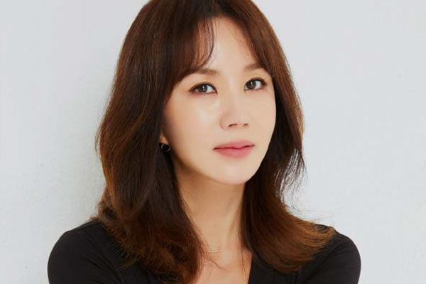 Актриса и певица Ом Чжон Хва (오케이마담 주연배우 , 엄정화)