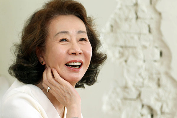Актриса Юн Ё Чжон (윤여정)