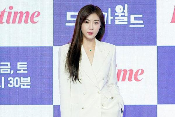 Актриса Ха Чжи Вон (하지원)