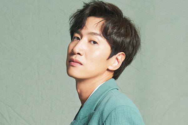 Актер Ли Гван Су (이광수)