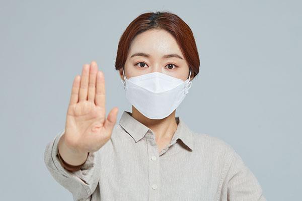 외국인 환자 코로나 치료비, 24일부터 국적 따라 선별 지원