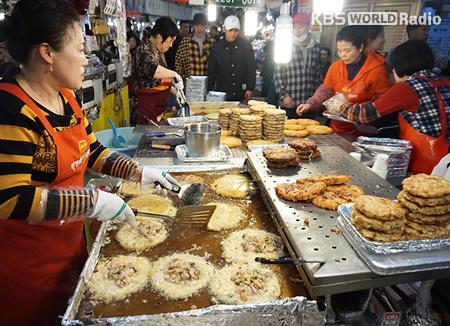 Wisata Kuliner dan Shopping di Gwangjang Market