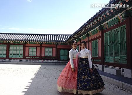 Keliling Gyeonbokgung pakai Hanbok