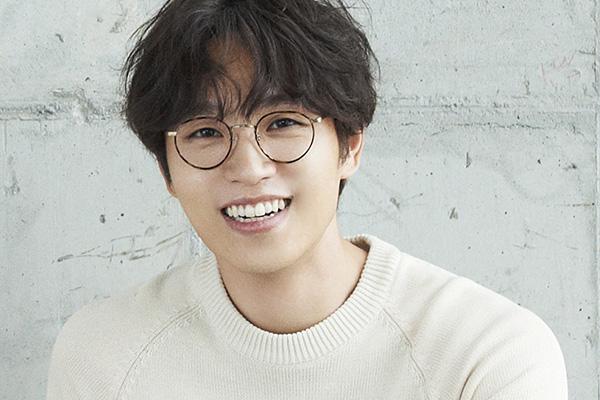 SG WANNABE李硕薰将翻唱经典歌曲《爱你的十个理由》