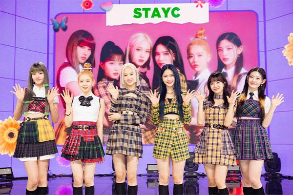 STAYC新专辑销量突破11万张 首夺打歌冠军后喜极而泣