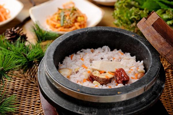 韓国の釜飯