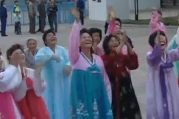 Die traditionelle Hanbok-Kleidung in Nordkorea