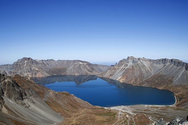 Le mont Baekdu vu de Corée du Nord