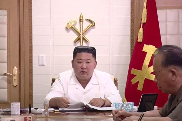 北韩对最高领导人的偶像化工作