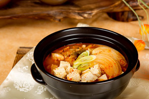 Kimchi-jjigae (김치찌개)