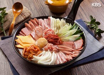 Пудэччигэ: суп с овощами и сосисками (부대찌개)