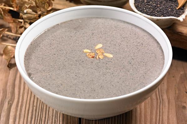 Рисовая каша с черным кунжутом хыгимчжачук (흑임자죽)
