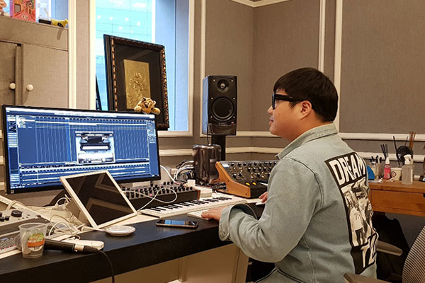 Entrez dans le studio de Shinsadong Tiger, les mains d'or de la k-pop