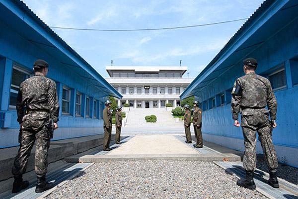 Garde à vous ! Les rangs se forment sur la péninsule coréenne !