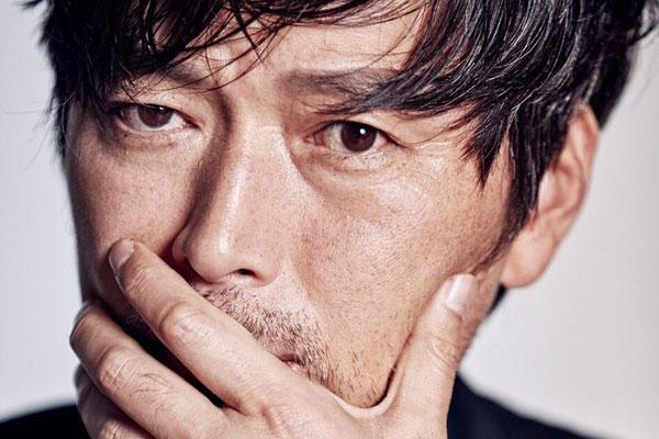 Jung Jae-young : Robinson de Bamseom et ami des zombies
