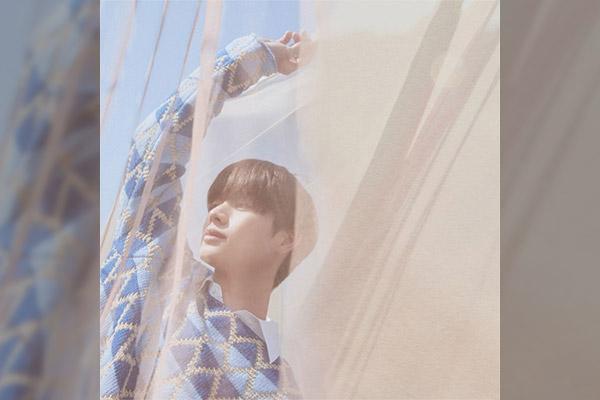 « YOOK O'clock»,1e album solo de Yook Sung-jae