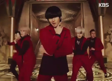 "Super Junior""秀冠军""中拿下首个电视音乐节目1位"