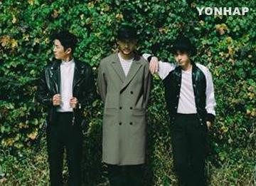 Группа Epik High и альбом «Обувной шкаф» уже два дня на вершине чартов