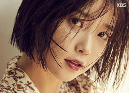 Снова из Ли Чжи Ын в королеву чартов IU