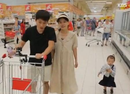 Счастливая жизнь Виктора Ан и его семьи в России