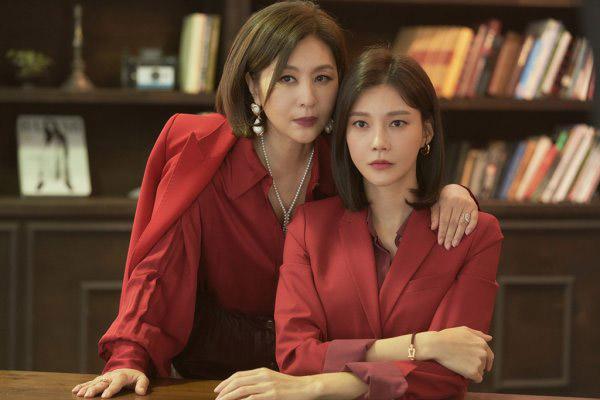 Стартовал показ сериала «Изящная месть» телеканала KBS2