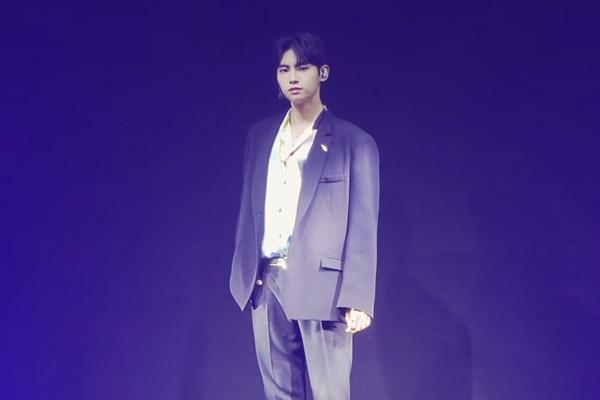 Ли Чжин Хёк дебютирует соло