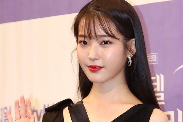 """IU进入福布斯""""2019亚洲慈善英雄""""榜 捐款总额9亿韩元"""