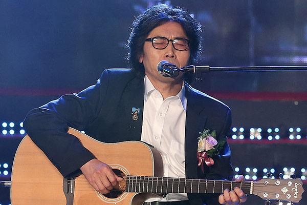 Известный блюз-гитарист Ким Мок Кён возвращается на сцену